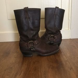 FRYE 12R Harness Boots 8M